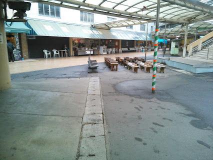笠松競馬場飲食街